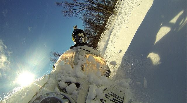 Sportovní kamera vydrží i ve sněhu
