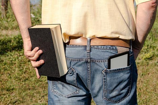 Čtečka knih je skladnější než klasická kniha