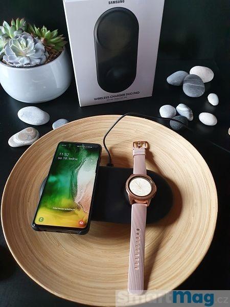 Nabíjet můžete telefon i hodinky současně