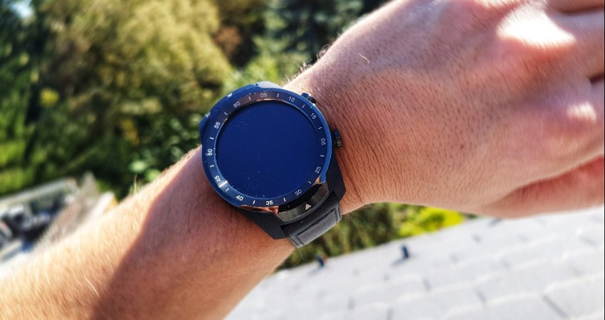 Ticwatch Pro 2020 predni strana