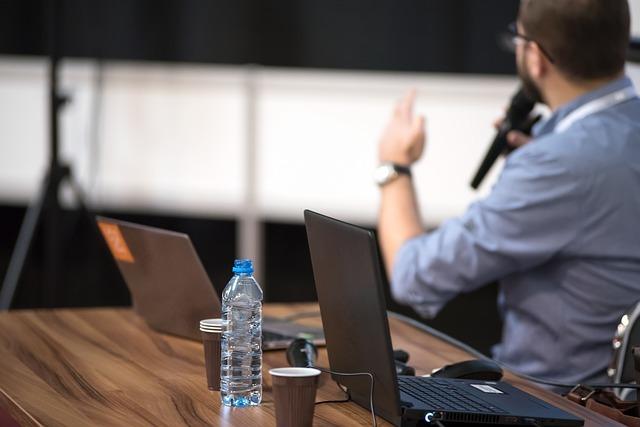 Pracovní notebook na konference